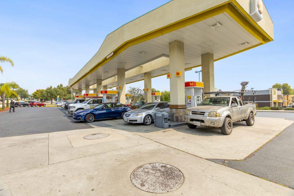 Encinitas Gas pumps